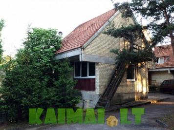 sodybos nuoma: Vieno kambario butas su atskiru įėjimu ir kiemeliu Pervalkoje